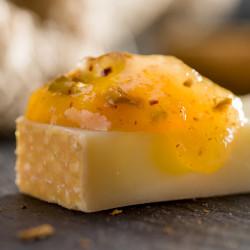 Salsa dolça de poma golden amb festucs i canyella